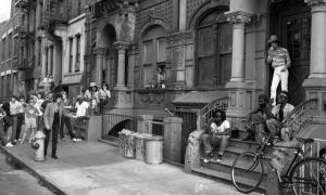 filming-video-waiting-friend-1981