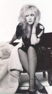 Stevie-Nicks-stevie-nicks-5687986-700-1261