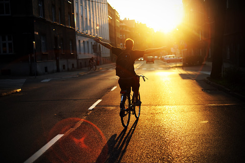 beautiful-bicycle-freedom-man-sunrise-Favim.com-150103